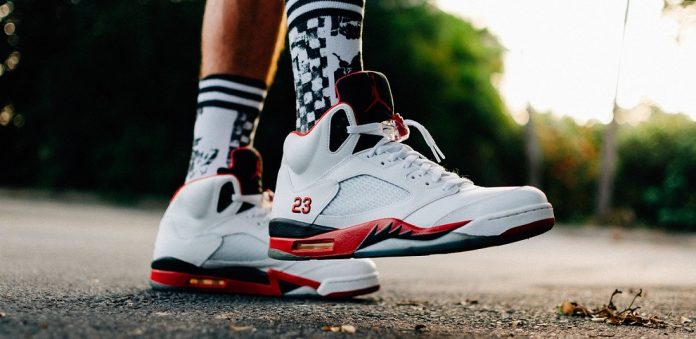 b42f2d995c608a Jordans are widely considered to be some of the best sports shoes ever made  and it is easy to see why. These shoes have a long history of providing the  ...
