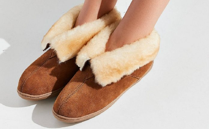 20e99bbf6 10 Best Slippers in 2019 - Reviews