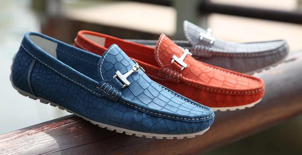 10 Best Casual Shoes For Men in 2020